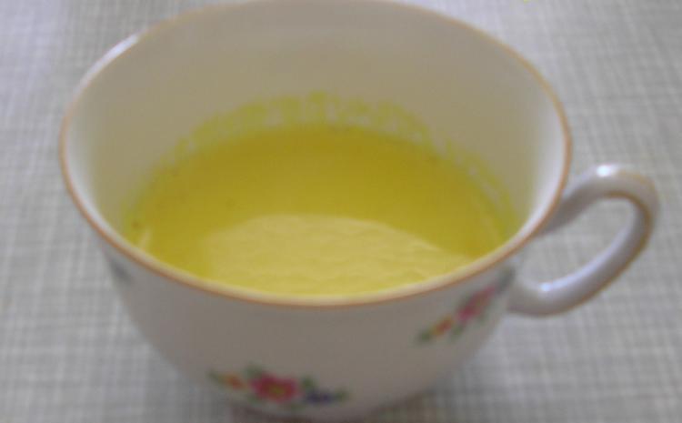 Čaj od kurkume sa mlekom