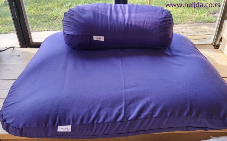 zabuton i polumesec jastuci za meditaciju