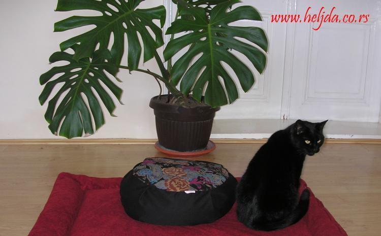 Zabuton jastuk-prostirka za meditaciju