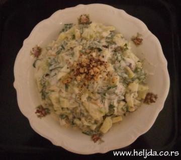 Salata od krastavaca sa rukolom i keselim mlekom