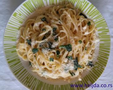 Špagete barilla sa belim lukom i vlašac